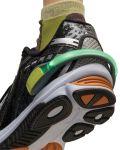 5072NB_LightSpur_Black_On-Shoe_NW